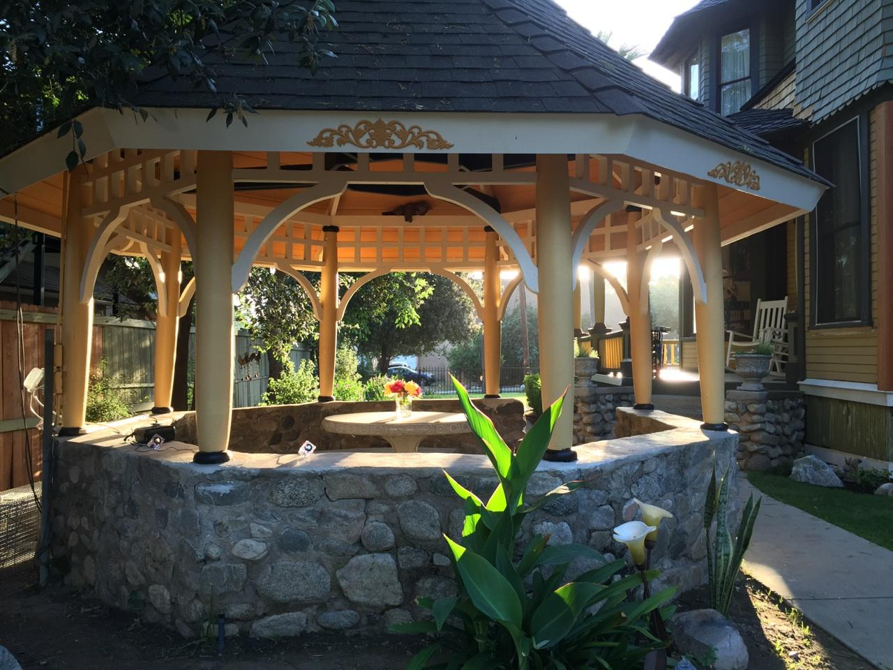 Probably the Oldest Gazebo in Pasadena known to the Historic Society